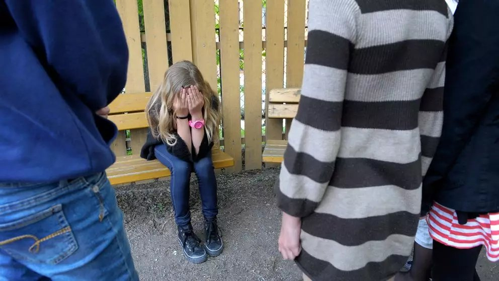 Nedlåtande föräldrar ger mobbande barn